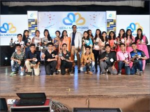 2016-edumentor-mahesh-sir-with-toppers